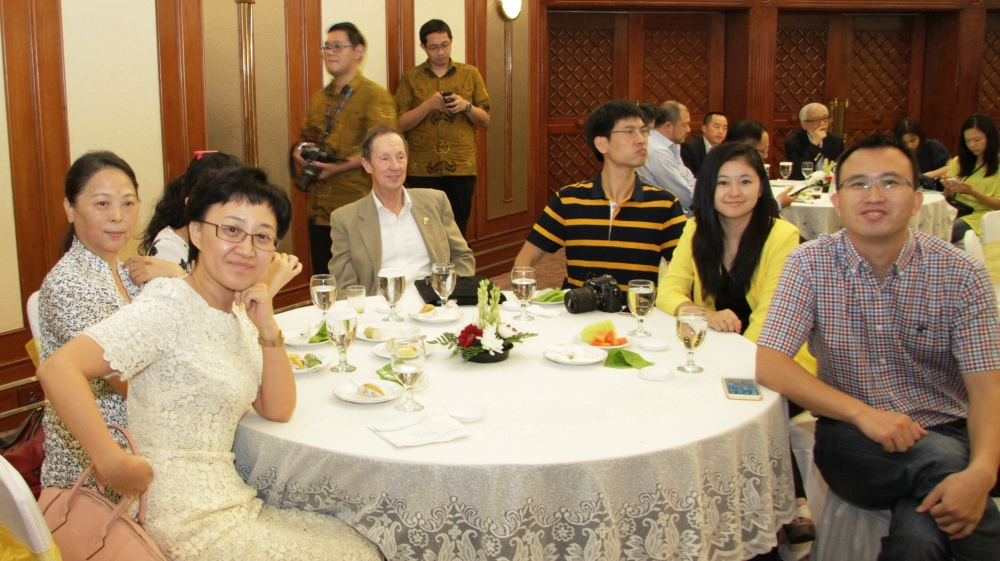 gallery-2014-welcome-dinner-11