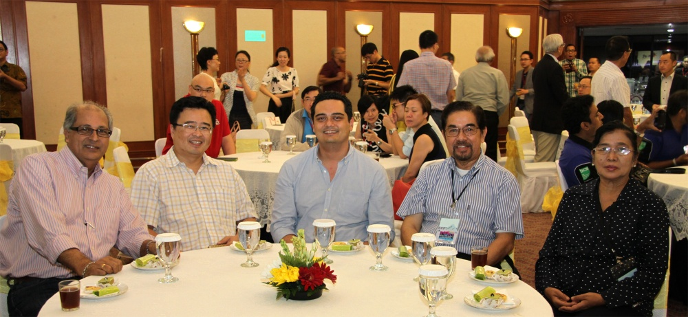 gallery-2014-welcome-dinner-8