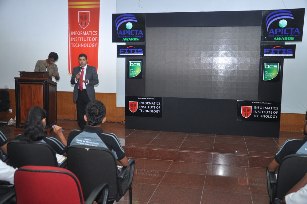 Galerry-2015-Student Workshop at BMICH-69