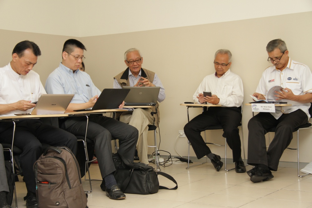 gallery-2014-exco-meeting-7
